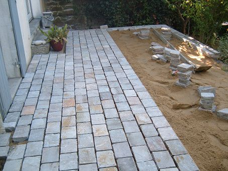Terrasse en pav s bordure for Brique pour bordure de jardin